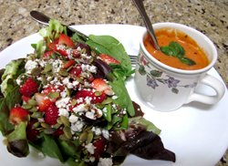 Strawberry Feta Salad w/ Roasted Pumpkin Seeds